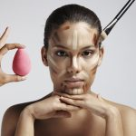 Correção do rosto. Como aplicar a base, pó e bronzeador?